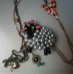 Betsey Johnson white pearl black sheep necklace
